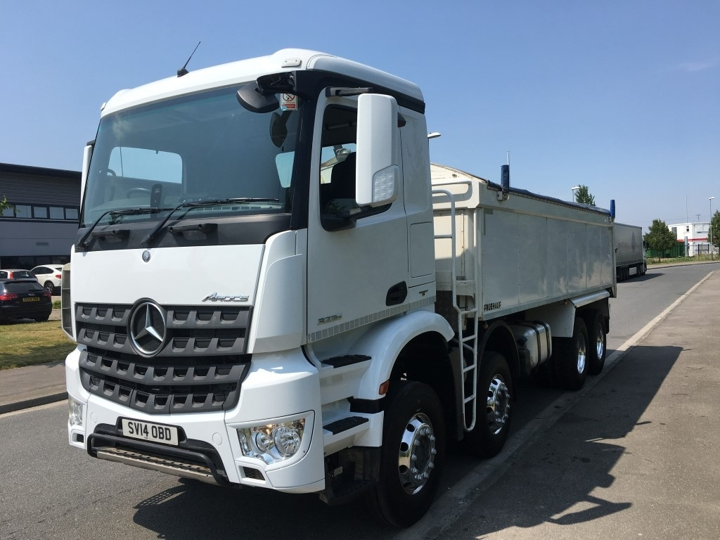 Mercedes-Benz Arocs Euro 6 Insulated tipper - image 2