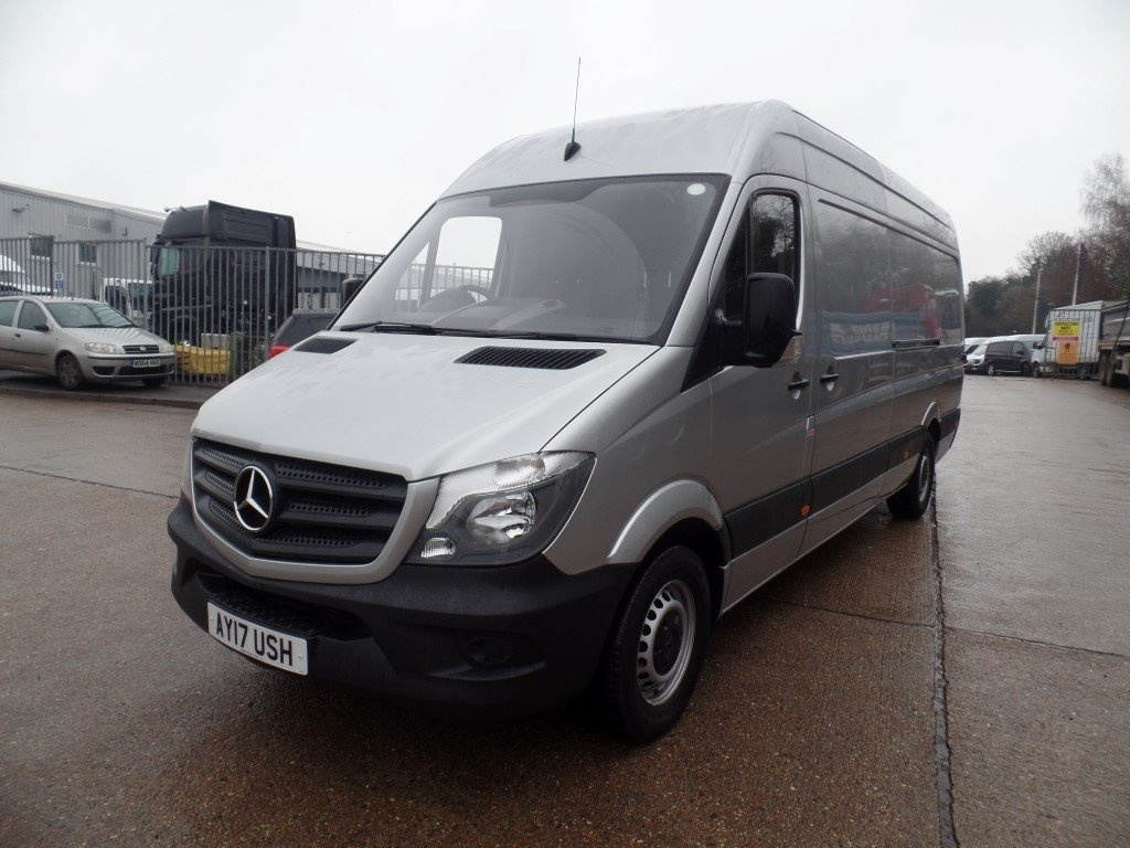 Mercedes benz sprinter 2 1 cdi 314 high roof panel van 5dr for Mercedes benz sprinter rental price