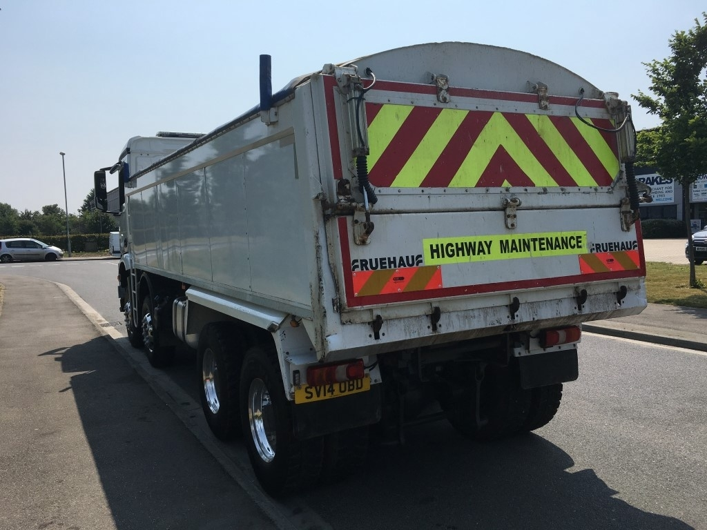 Mercedes-Benz Arocs Euro 6 Insulated tipper - image 3