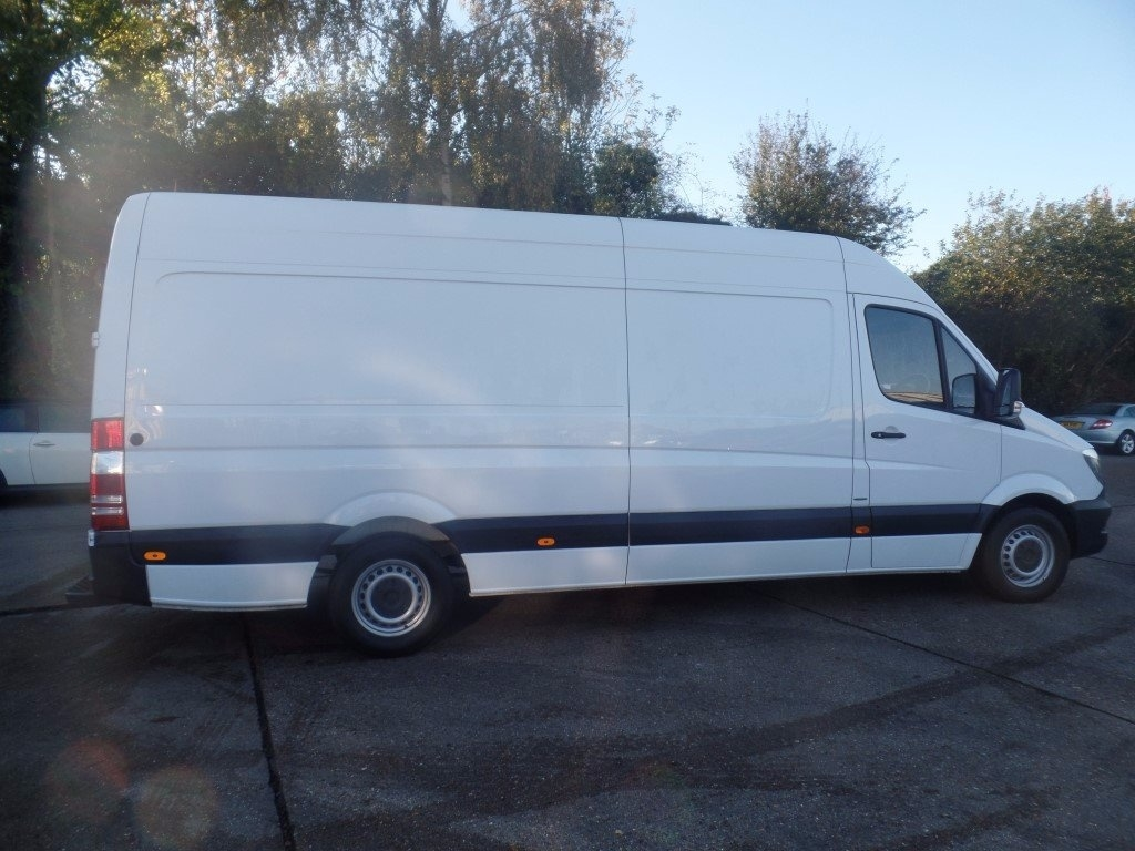 Mercedes benz sprinter 314cdi lwb panel van euro 6 for Mercedes benz sprinter rental price