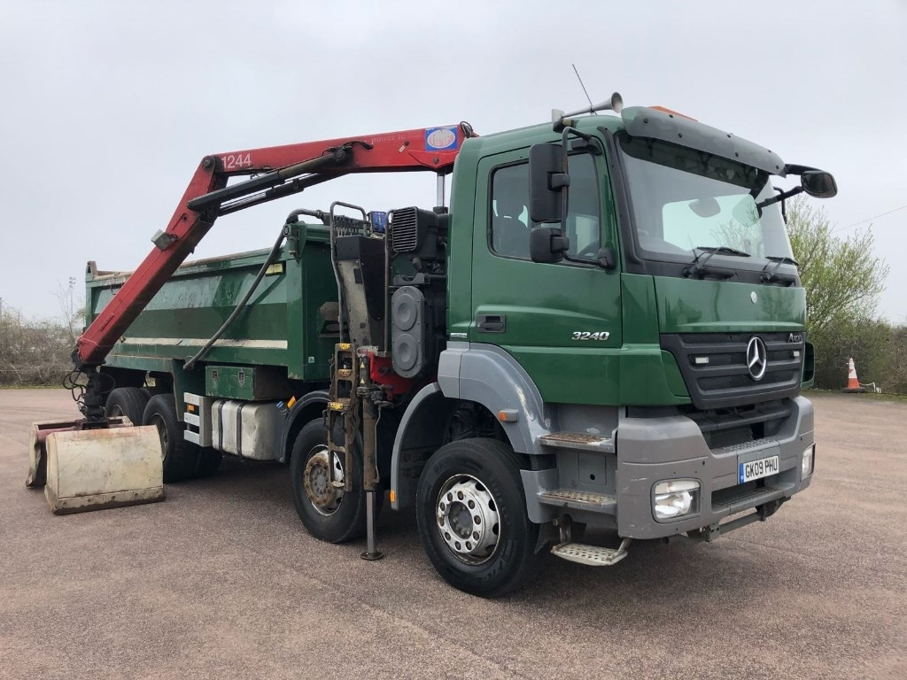 Mercedes-Benz Axor 3240K Euro 5 Tipper Grab