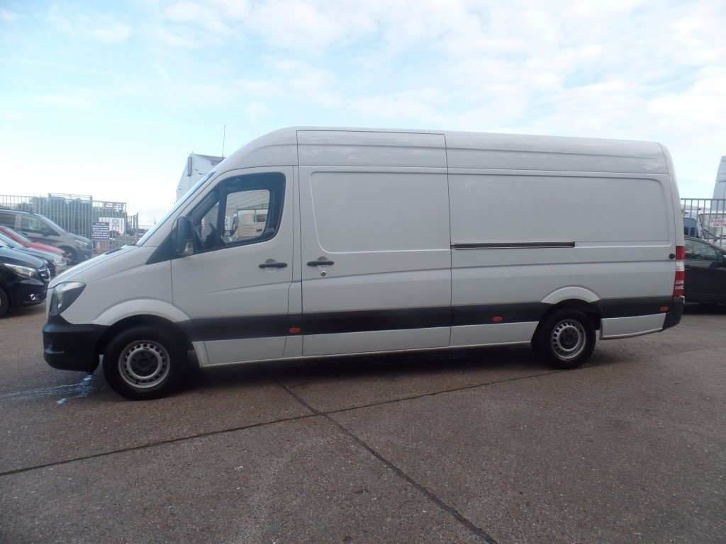 Mercedes benz sprinter 313cdi lwb panel van for Mercedes benz sprinter rental price