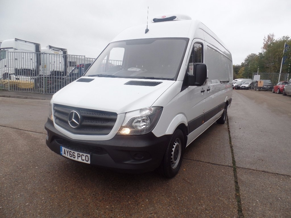 Mercedes benz sprinter 314cdi lwb chiller panel van euro 6 for Mercedes benz sprinter rental price
