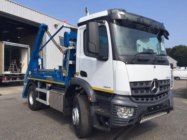 MERCEDES-BENZ AROCS 1824K Euro 6 Skip Loader Brand New & Available for Immediate Deilivery